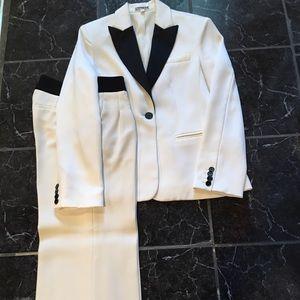 Cream Tuxedo Pant Suit, Pant sz 0R Jacket sz 6